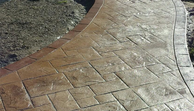 Pattern: Notched Old English Ashlar Slate - Colors: Hilltop Tan With Walnut