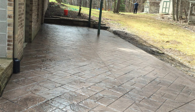 Pattern: Notched Old English Ashlar Slate - Colors: Moutian Trail With Dark Gray