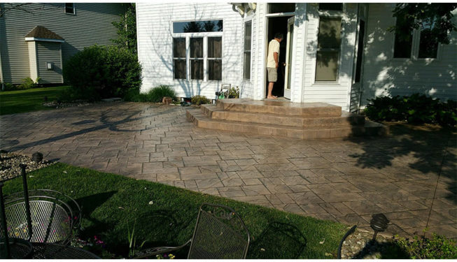 Pattern: Notched Old English Ashlar Slate - Colors: Porcelain Gray With Dark Gray