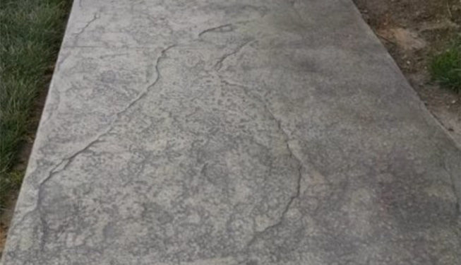 Patten: Cracked Earth - Colors: Hailstorm Gray with Dark Gray