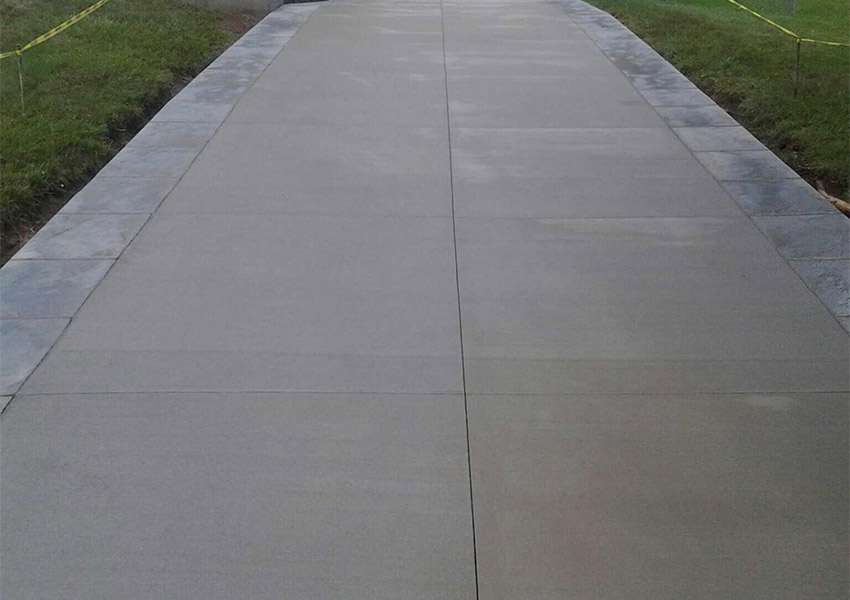 Pattern: Broom Finish Driveway With Stamped Borders