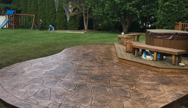 Pattern: Large Random Flagstone - Colors: Hilltop Tan With Walnut
