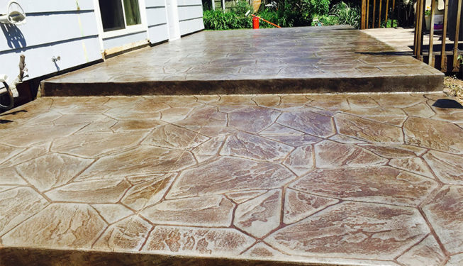 Pattern: Large Random Flagstone - Colors: Stone Harbor With Walnut