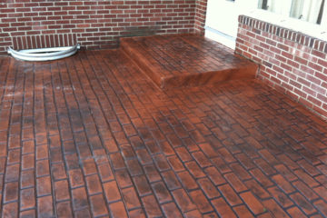 Pattern: Running Bond Used Brick - Colors: Brick Oven With Dark Gray